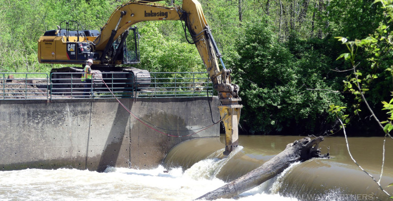 Demolition of Brecksville Dam Begins