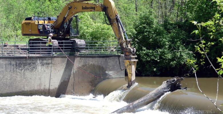 Demolition of Brecksville Dam Begins